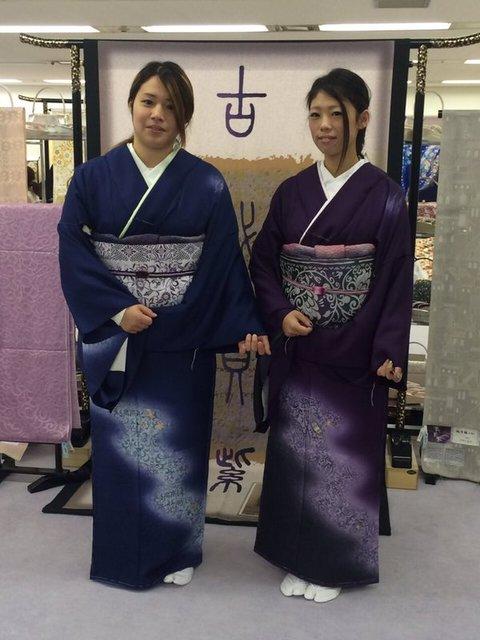 二色の貝紫染めでおソロコーデ☆