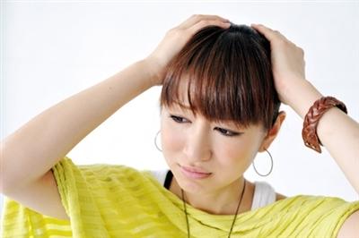 女性の薄毛・抜け毛の悩みに効果的な治療薬は (4414)