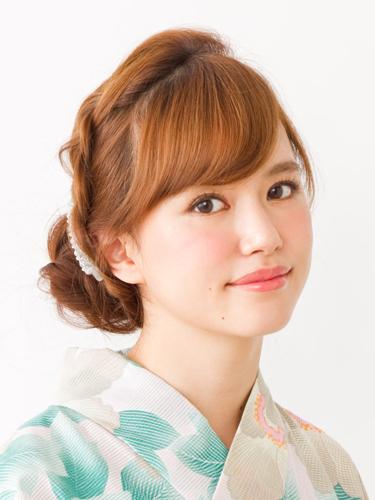 卒業式の袴姿に!自分でできる袴ヘアアレンジ&髪型カタログ|All About(オールアバウト) (4434)