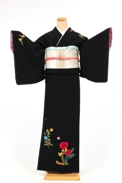 黒地/猫とハナ 刺繍/ツモリチサト