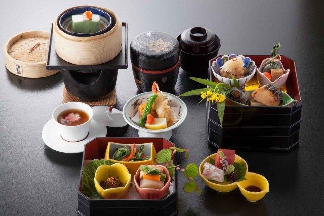 四季折々の料理 - 鶴巻温泉 元湯 陣屋 旅館 (5881)