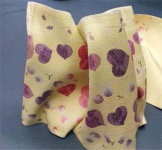 クリーム地にピンク紫ラメハート柄の清楚でかわいい袋帯。...
